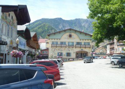Leavenworth street view